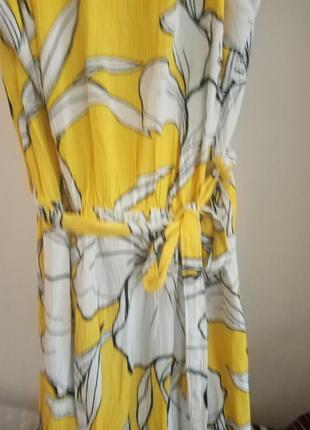 Очень яркое жёлтое платье миди от holiday c биркой
