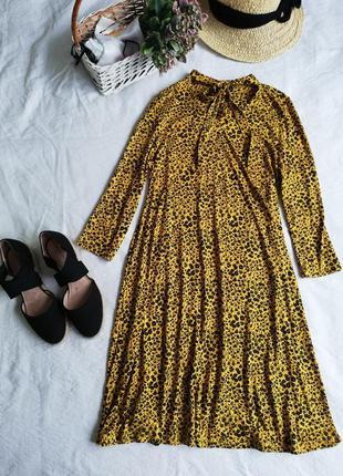 Шикарна сукня f&f, на шиї зав'язки