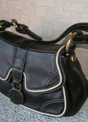 Красивая повседневная сумка из натуральной кожи. jasper conran jeans.