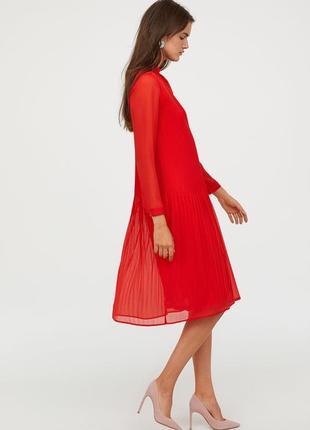 Красное платье миди с завязками и оборками свободного кроя шифоновое