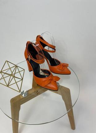 Шкіряні туфлі бант босоніжки лодочка кожаные туфли босоножки