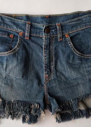 Джинсовые шорты с высокой посадкой levis