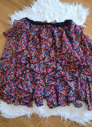 Красивая трендовая юбка в цветы, очень нежная с воланами