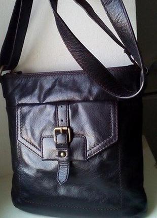 Кожаная сумка кроссбоди marks&spencer