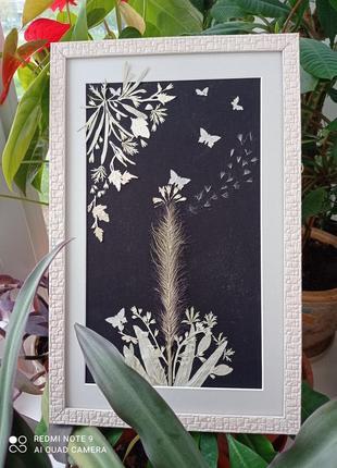 """Оригінальний подарунок - картина з пресованих рослин  у техніці ошибана """"з метеликами"""""""