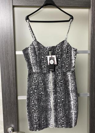 Короткий сарафан платье мини