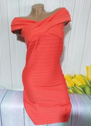Обалденное стрейчевое платьице размер 44
