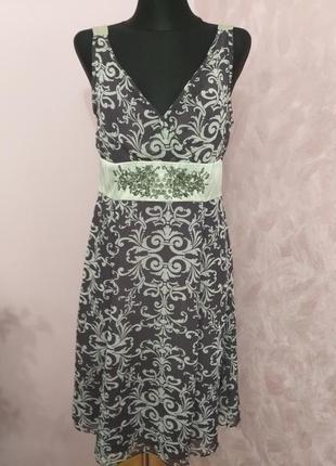 Розкішна сукня з декором/coast/xl