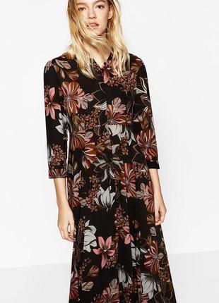 Вискозное платье zara в цветочный принт с карманами