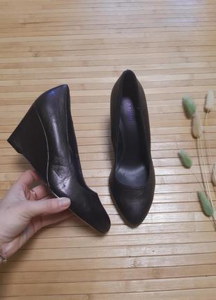 Туфли кожание andre туфлі шкіряні