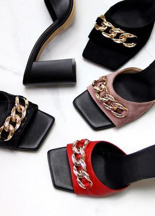 Шлепанцы натуральные на каблуке