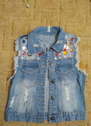 Жилет + джинсы