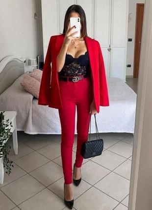 Красные джинсы mohito