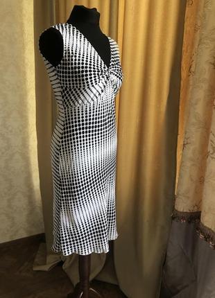 Женственное платье по фигуре amaranto