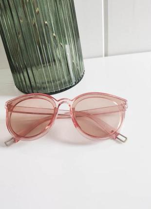 Нежные розовые очки