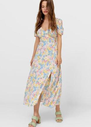Платье цветочный принт stradivarius