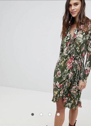 Лёгкое воздушное платье на запах плиссе цветочный принт миди