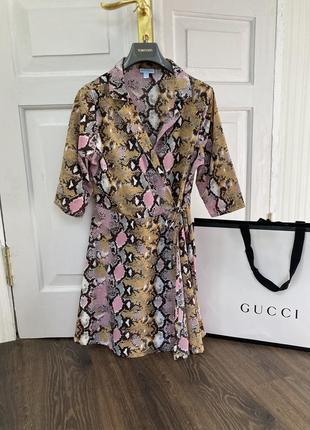 Тренд винтаж платье  с запахом  питон анимал принд