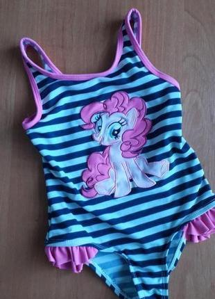 Яркий купальник для девочки 2-3 лет.