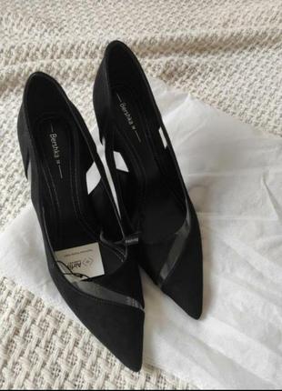 Туфлі bershka