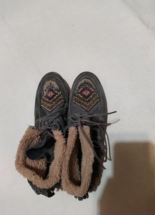 Замша!очень красивые ботинки замша вышивка бисером