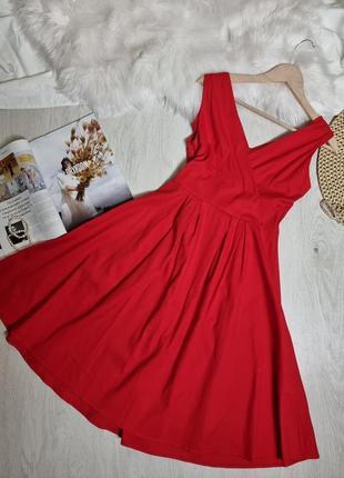 Яркое красное платье ретро винтаж сарафан