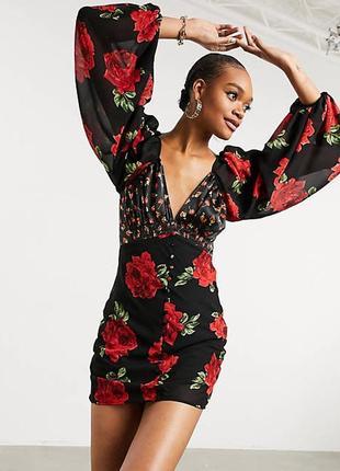 Восхитительное платье в комбинированный принт от asos design!