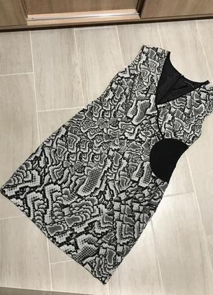 Шикарное платье декольте на запах marks & spencer