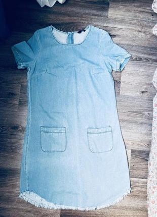 Джинсовое платье с бахромой