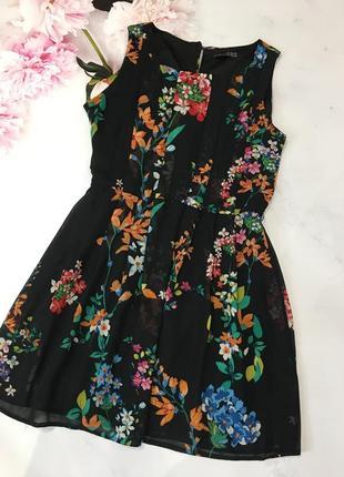 Милое платье с цветами