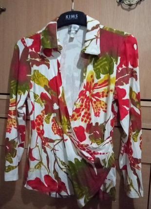 Брендовая блуза с запахом