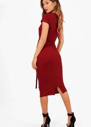 Класична бордова сукня міді з поясом