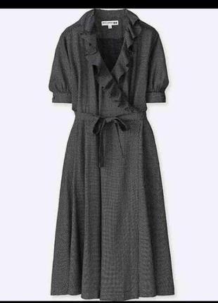Платье в горошек на запах.