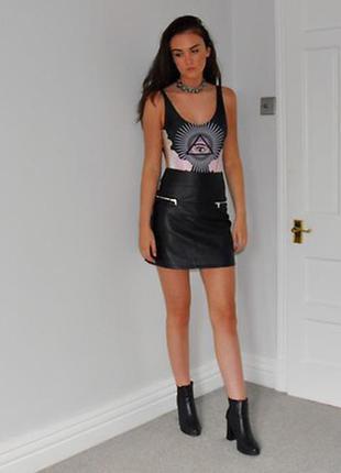 Стильная юбка имитация кожи m-l