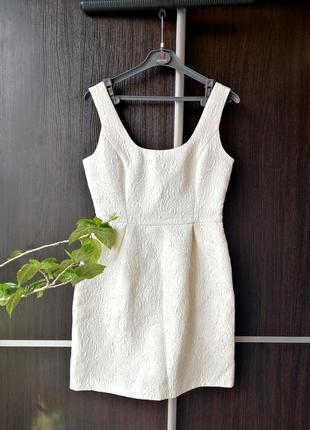 Шикарное новое платье сукня. фактурная ткань. цветы. 51%хлопка. oasis