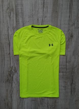 Спортивная футболка under armour heatgear