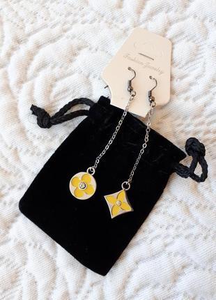 Асимметричные серьги сережки в стиле luis vuitton + подарок