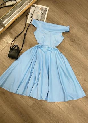 Платье миди на плечи