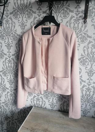 Пиджак пудровый укороченный