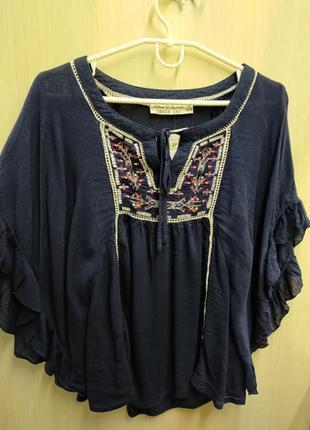 Шикарна блуза з вишивкою