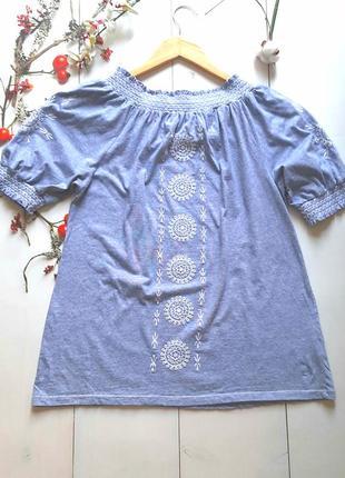Натуральная блуза топ на плечи бандо с вышивкой
