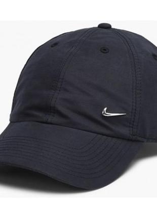 Кепка nike metal swoosh logo running cap (340225-010)