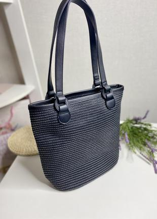 Чёрная плетённая сумка