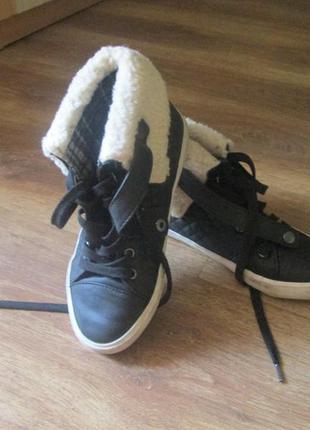 Фирменные ботиночки на осень next