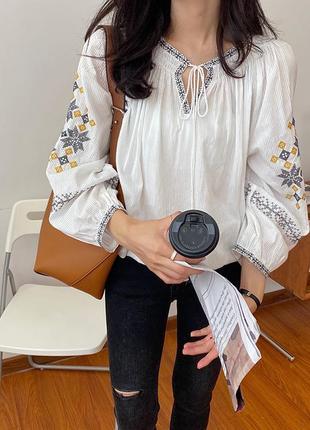 Женская вышиванка