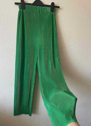 Зелёные брюки кюлоты 2021