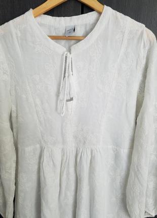 Платье из натуральной ткани