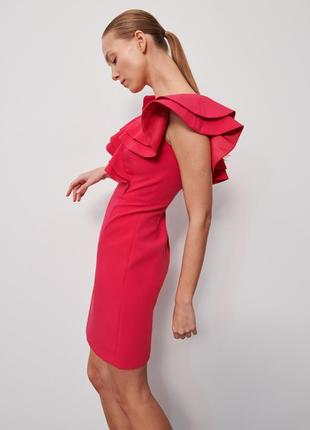 Платье футляр с рюшами фуксия reserved + много других моделей