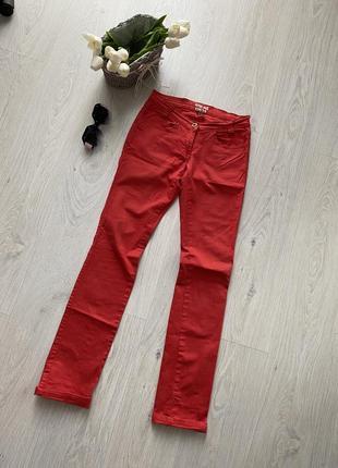 Алые джинсы soho-doll