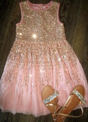 Шикарное  платье паетки